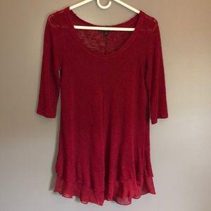 Red quarter-sleeve blouse